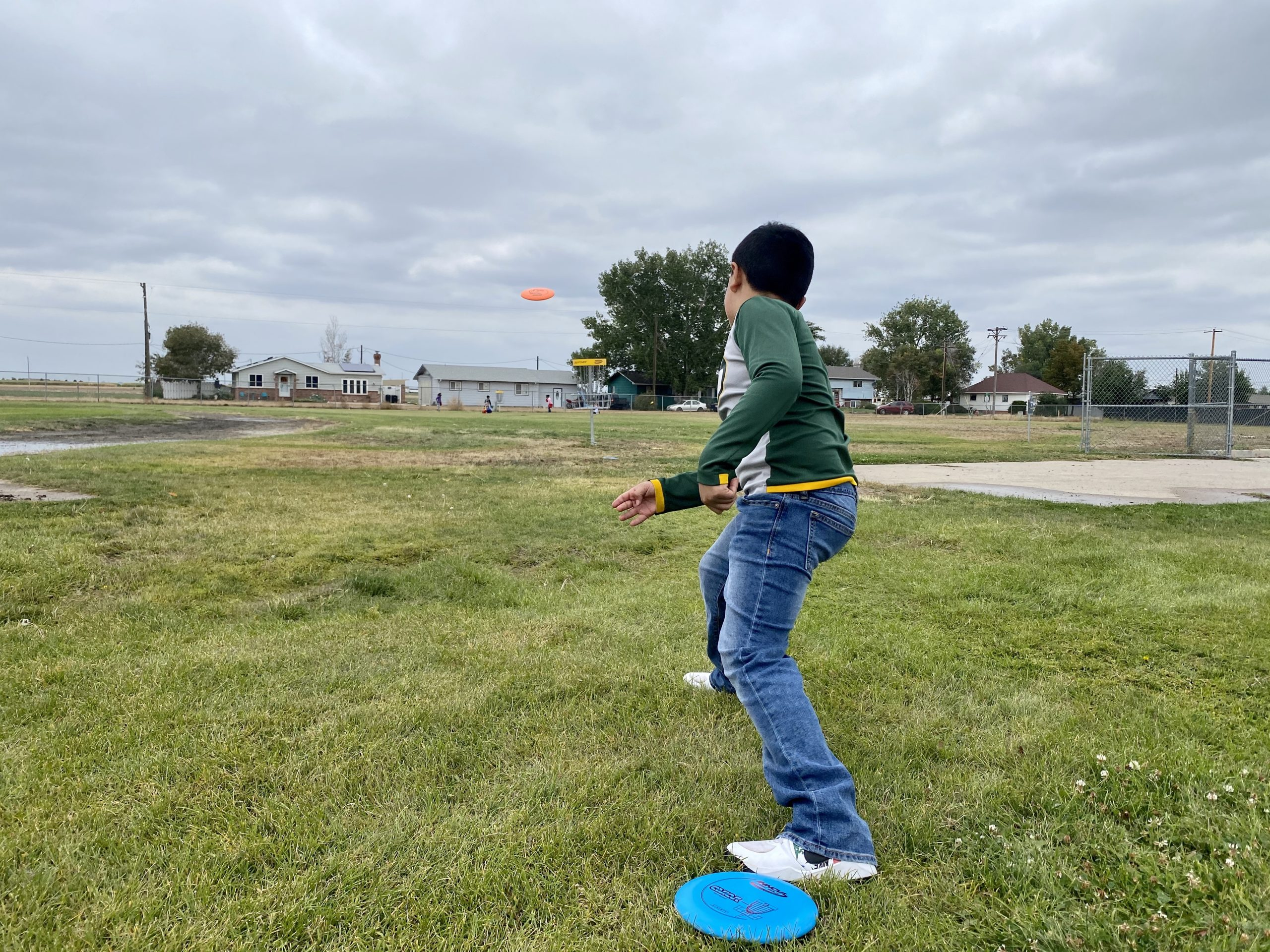 Creating a Healthy School Community – Disc Golf Photo 3